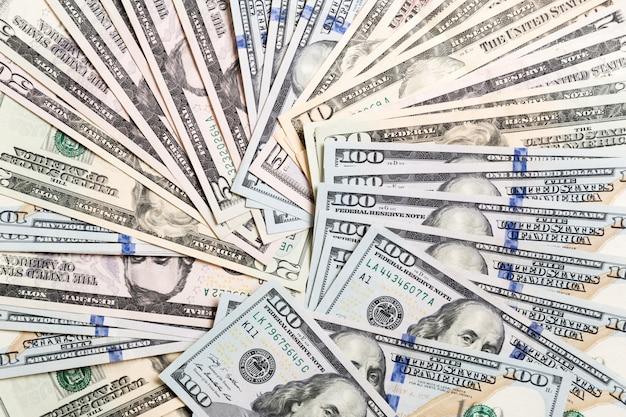Tło z pieniądze amerykanina sto dolarowymi rachunkami, horyzontalnymi. odgórny widok biznesowy pojęcie na tle z kopii przestrzenią
