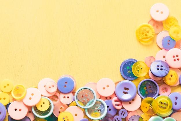 Tło z przycisków w różnych kolorach. wysokiej jakości zdjęcie