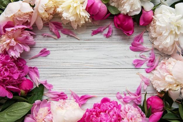 Tło z różowe piwonie