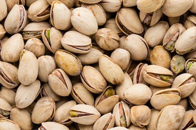 Tło zrobić ze świeżych pistacji solnych