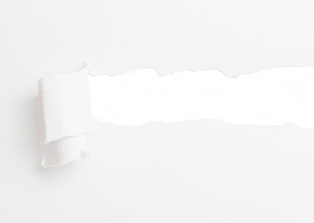 Torn księga transparent, na białym tle