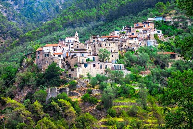 Torri, piękna mała tradycyjna wioska w górach ligurii we włoszech