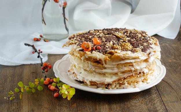 Tort napoleona - wielowarstwowe ciasto ze śmietaną