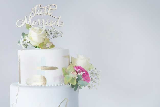 Tort weselny z kremówką