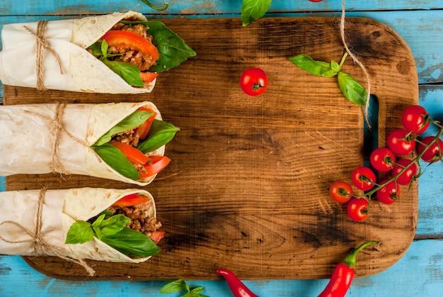 Tortilla z wołowiną i warzywami