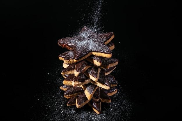 Torty z imbirowymi gwiazdkami