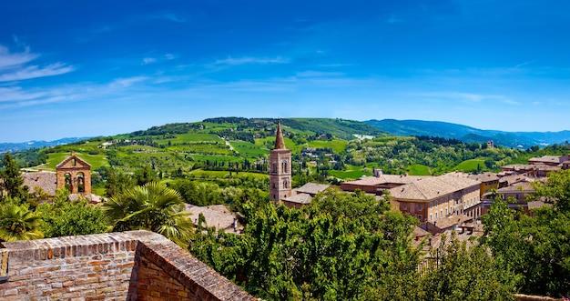 Toscana piękny krajobraz gór