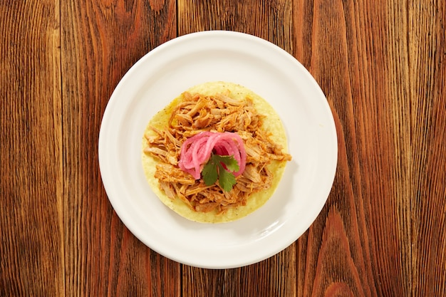 Tostadas de cochinita pibil comida tipica mexicana