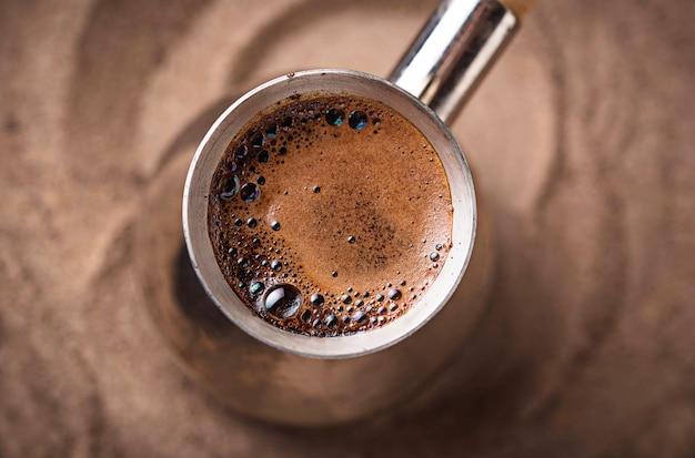 Tradycyjna kawa po turecku w cezve
