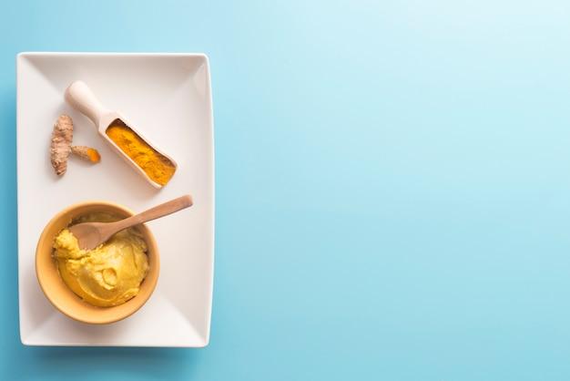 Tradycyjna pasta z kurkumy