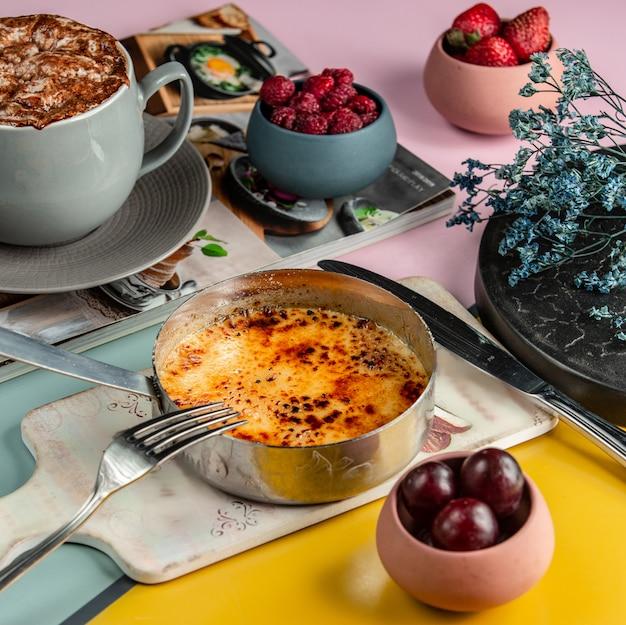 Tradycyjna turecka rozkosz na stole