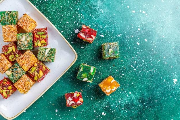 Tradycyjna turecka rozkosz, orientalne słodycze.