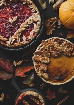 Tradycyjne amerykańskie ciasto z dyni i szarlotka święto dziękczynienia