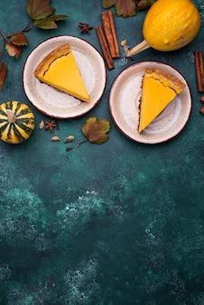 Tradycyjne amerykańskie ciasto z dyni jesienią