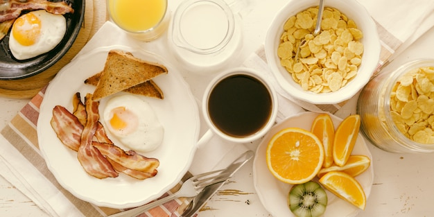 Tradycyjne amerykańskie śniadanie