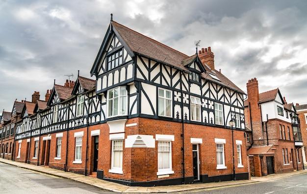 Tradycyjne angielskie domy architektury tudorów w chester w anglii
