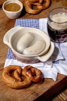 Tradycyjne bawarskie kiełbaski