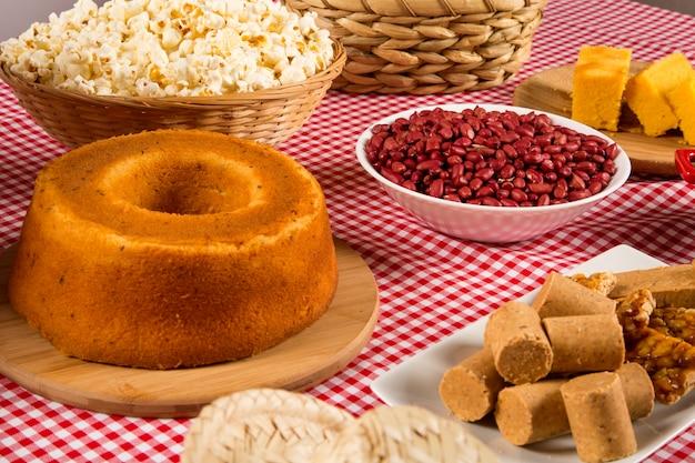 Tradycyjne brazylijskie ciasto fuba.