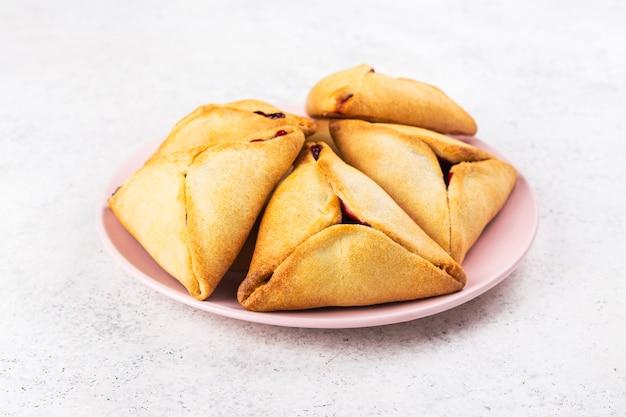 Tradycyjne ciasteczka hamantaschen