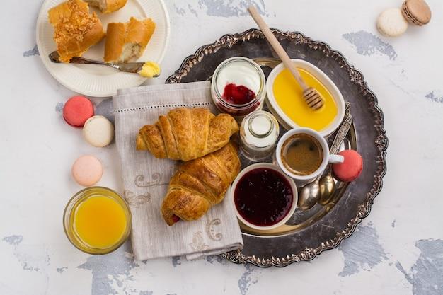 Tradycyjne Francuskie śniadanie Premium Zdjęcia