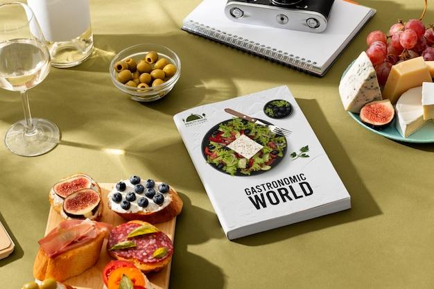 Tradycyjne hiszpańskie jedzenie w światowy dzień turystyki