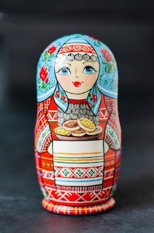 Tradycyjne rosyjskie matrioszki zabawkowe
