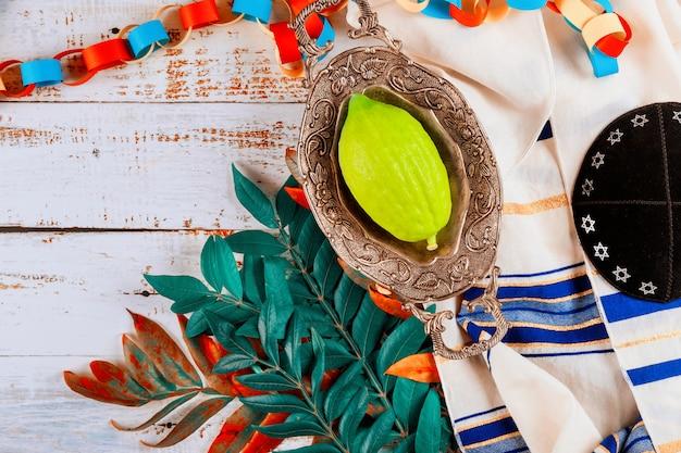 Tradycyjne symbole dla żydowskiego festiwalu w sukot