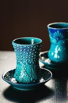 Tradycyjne tureckie szklanki do herbaty