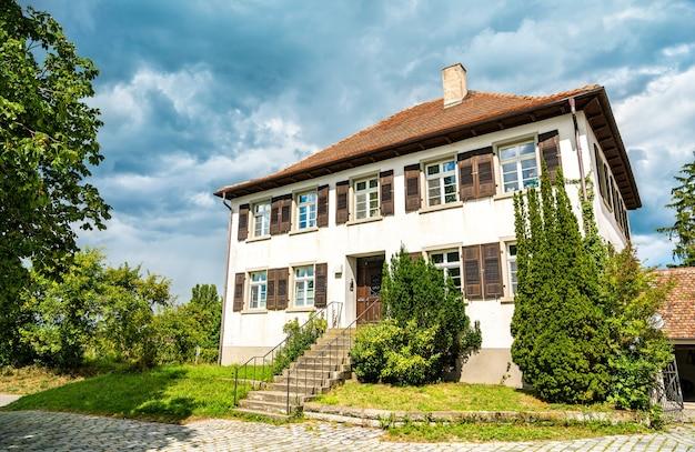 Tradycyjny dom na wyspie reichenau w niemczech