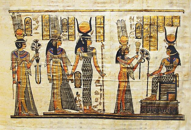 Tradycyjny egipski ręcznie robiony papirus ze sceną