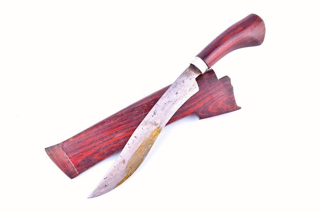 Tradycyjny nóż malajski na na białym tle