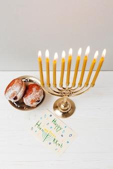 Tradycyjny świecznik do chanuki