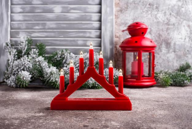 Tradycyjny szwedzki świecznik z siedmioma świecami