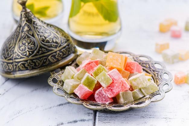 Tradycyjny wschodni deser rahat lokum