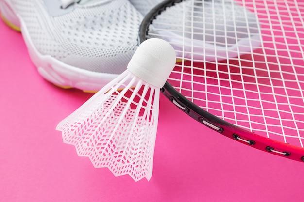 Trampki, rakiety do badmintona i wolant