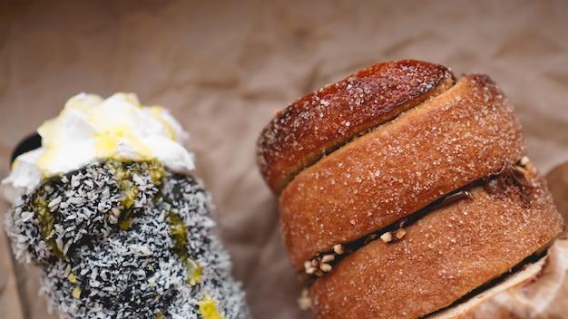 Trdelnik lub trdlo to tradycyjne czeskie ciasto - czarne trdelnik