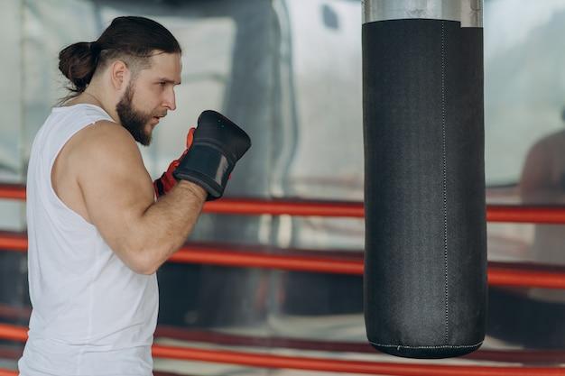 Trening boksera dla ciężkiej walki