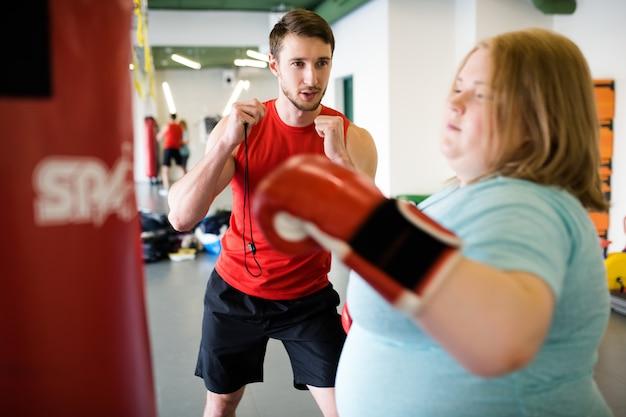 Trening personalny otyła kobieta