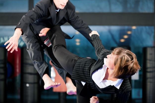 Trening sportowy i biznes w sztukach walki
