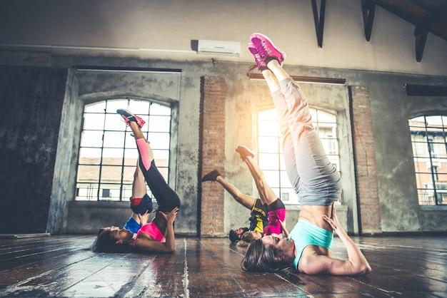 Trening w siłowni fitness