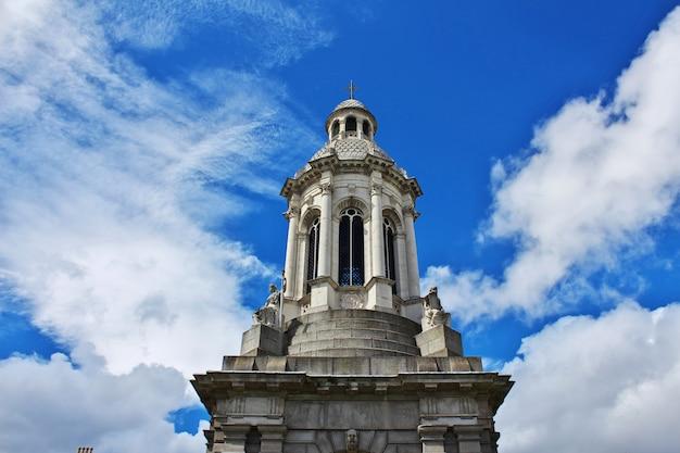 Trinity college w dublinie, irlandia