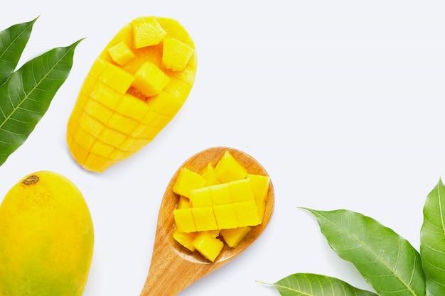 Tropikalna owoc, mango na bielu