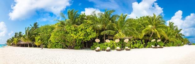 Tropikalna plaża na wyspie malediwy