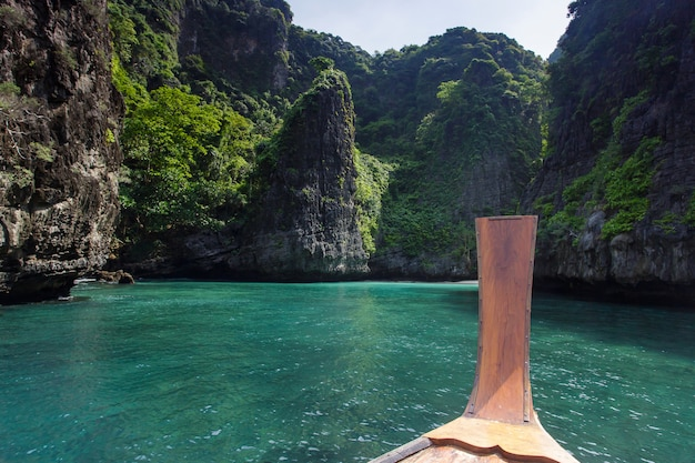 Tropikalna wyspa z kurortami phi-phi wyspa prowincja krabi tajlandia