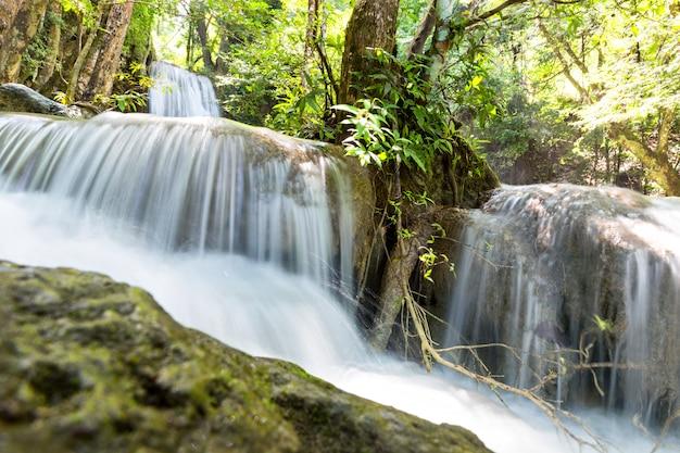 Tropikalny wodospad