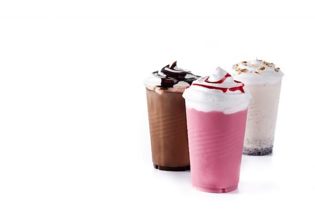 Truskawki, czekolada i białe koktajle mleczne