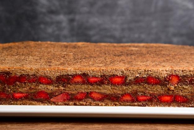 Truskawkowe ciasto czekoladowe