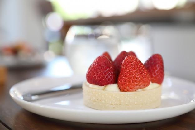 Truskawkowy ser tarta ciasto deser słodkie jedzenie