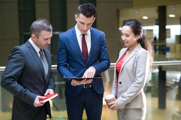 Trzech ludzi sukcesu w komunikacji