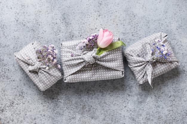 Trzy ekologiczne, zrównoważone prezenty z tulipanem na wiosnę.